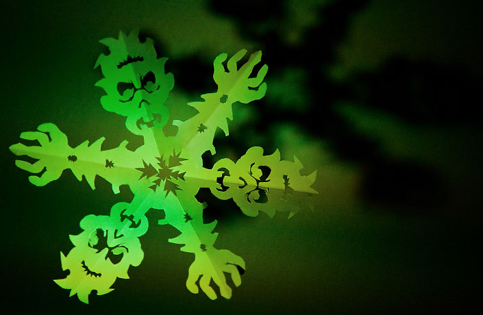 Zombie Snowflake Papercraft Template